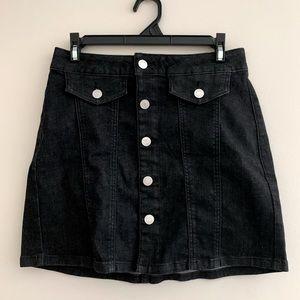 Garage front button mino skirt EUC